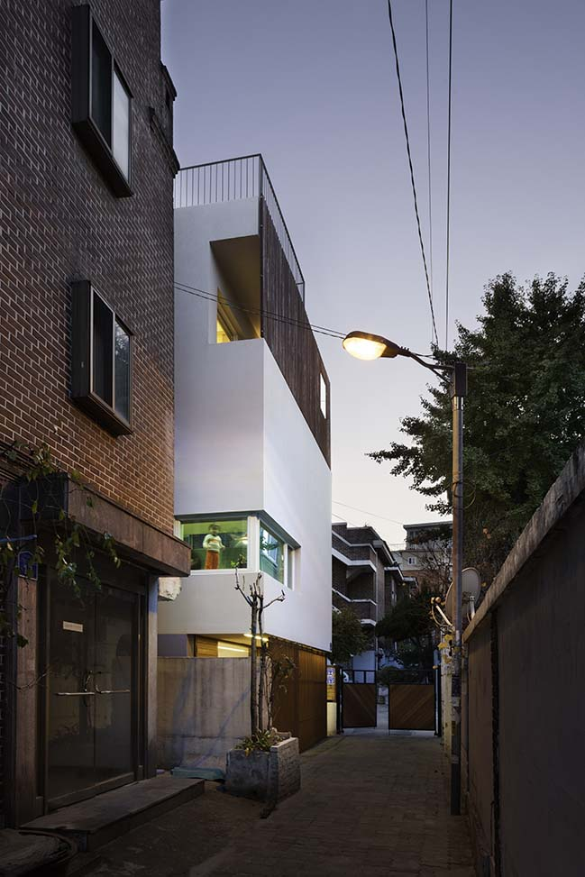 Seongsan-dong Mix-use by a round architects