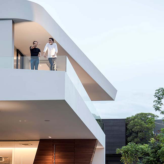 Waterfall House in Bangkok by Architects49 House Design Limited