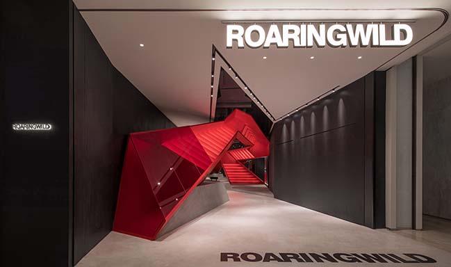 ROARINGWILD UNIWALK by DOMANI