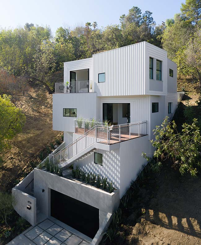 FreelandBuck designs a four-story home notched into a Los Angeles Hillside