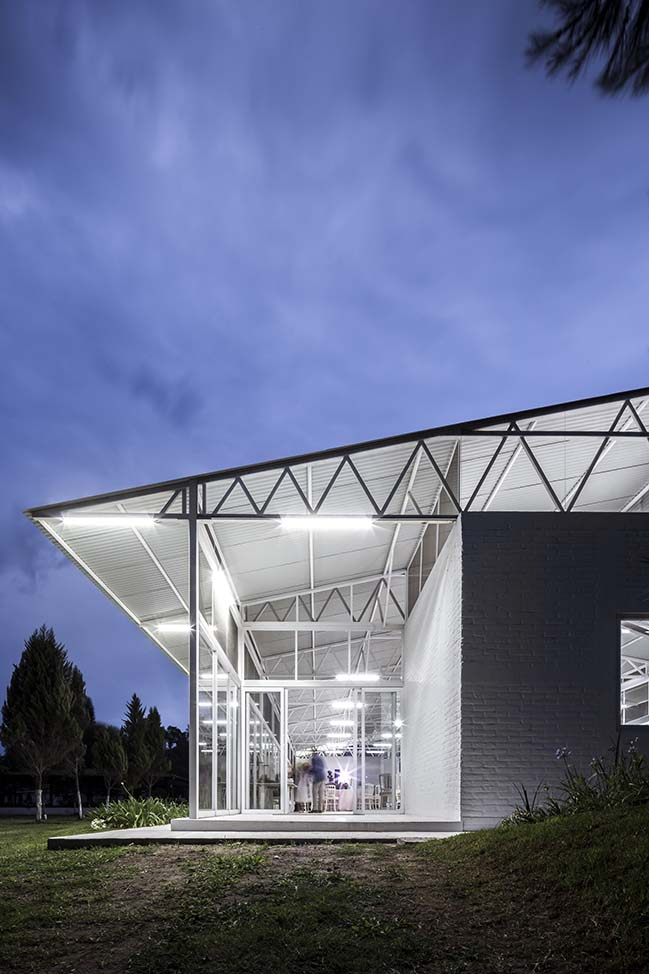 Avila Pavilion by COTAPAREDES Arquitectos
