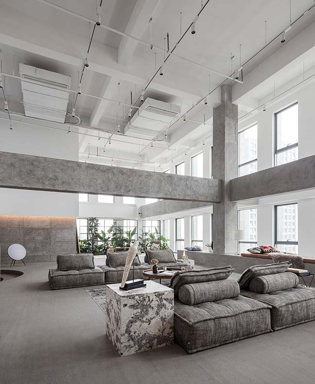 JIAXING TKSTYLE OFFICE by JACKY.W DESIGN