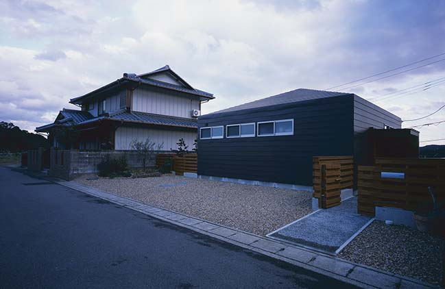 House in Seto by Horibe Associates