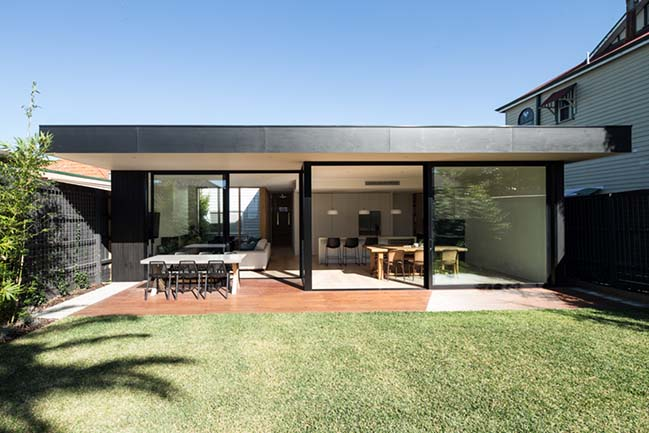 Thornbury House by Field Office Architecture