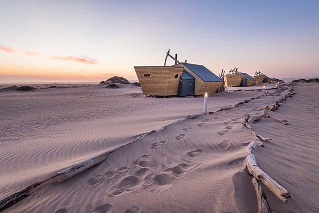 Shipwreck Lodge by Nina Maritz Architects
