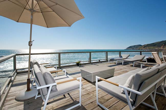 Malibu Modern Beach House by Caileen Designs