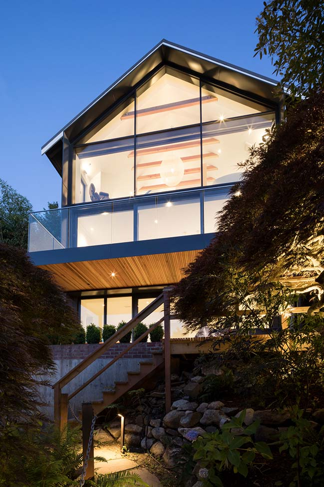 Mullet House in Vancouver by RUFproject
