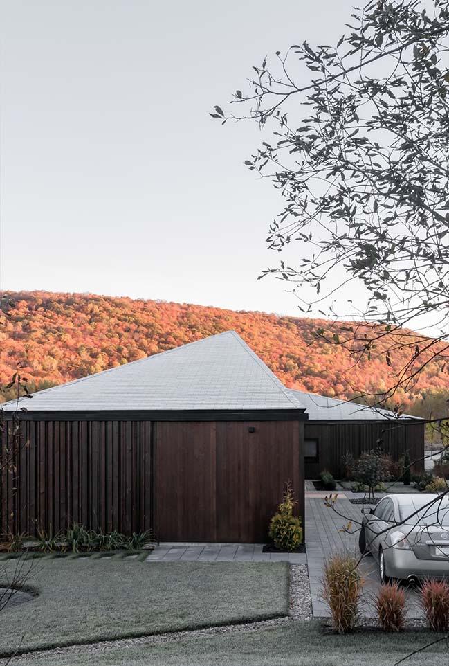 Vallée du Parc Residence by Chevalier Morales Architectes