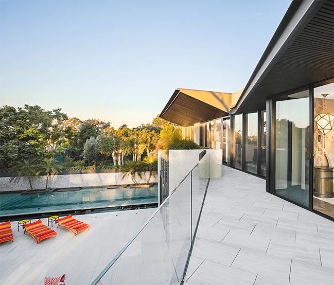 Bellevue Hill House by Geoform Design Architects