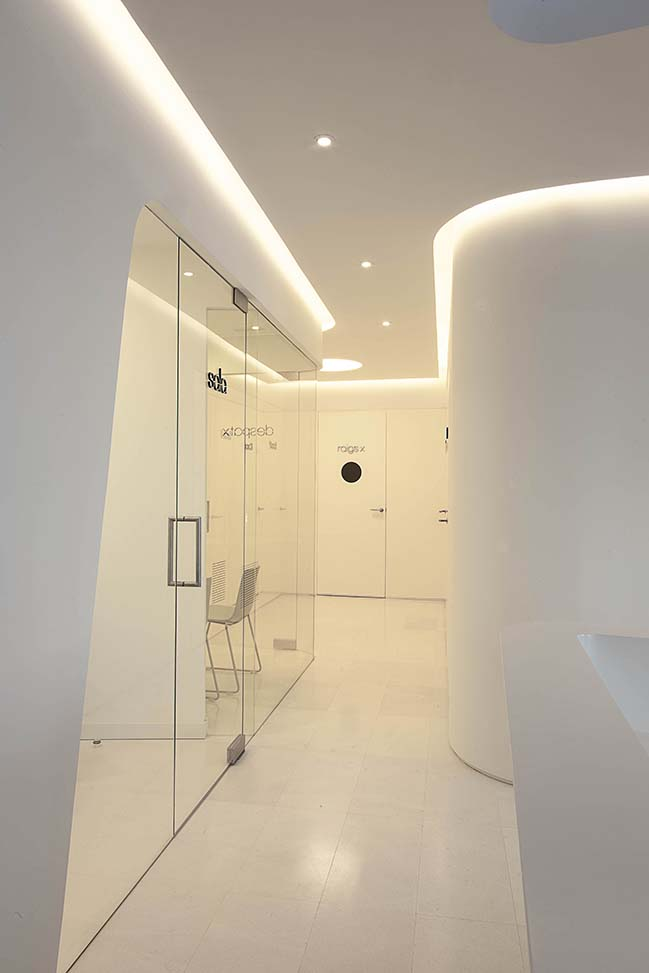 Acevedo Dental Office by YLAB Arquitectos