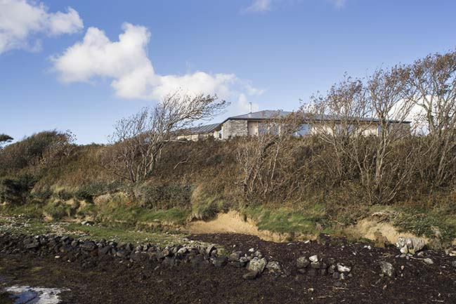 House on Clifden Bay by Tierney Haines Architects