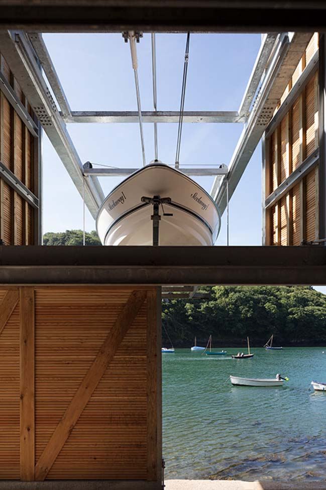 Contemporary boathouse in Newton Ferrers by Wimshurst Pelleriti