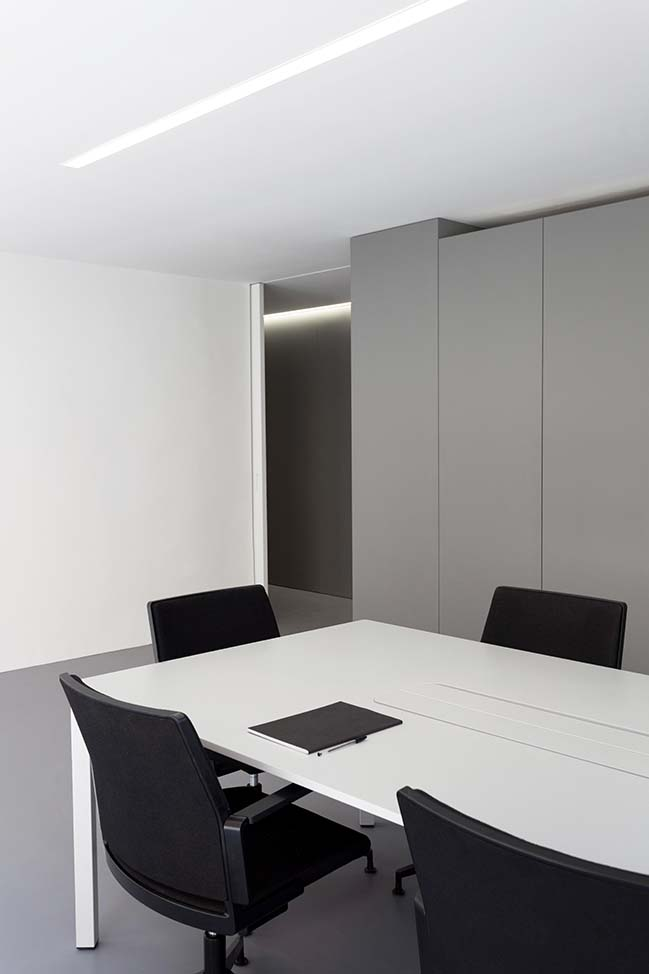 OAV Offices in Valencia by Fran Silvestre Arquitectos