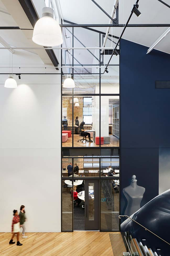 LCI Melbourne by Gray Pauksand
