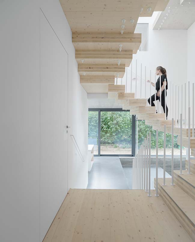Cork Screw House by rundzwei Architekten