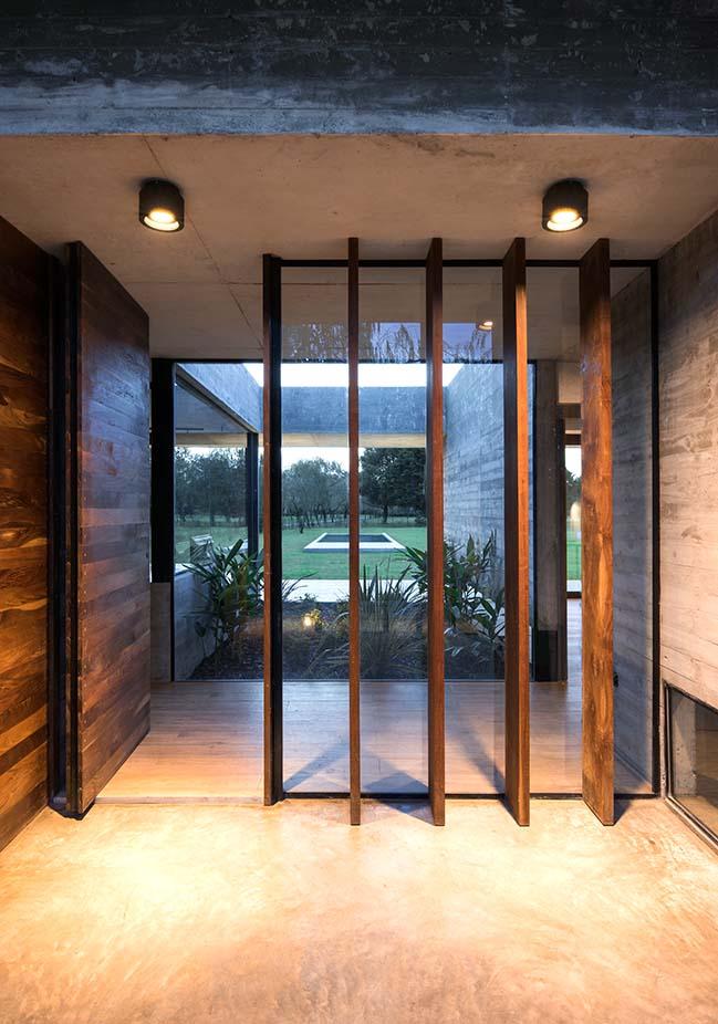 Rodríguez House  by Luciano Kruk