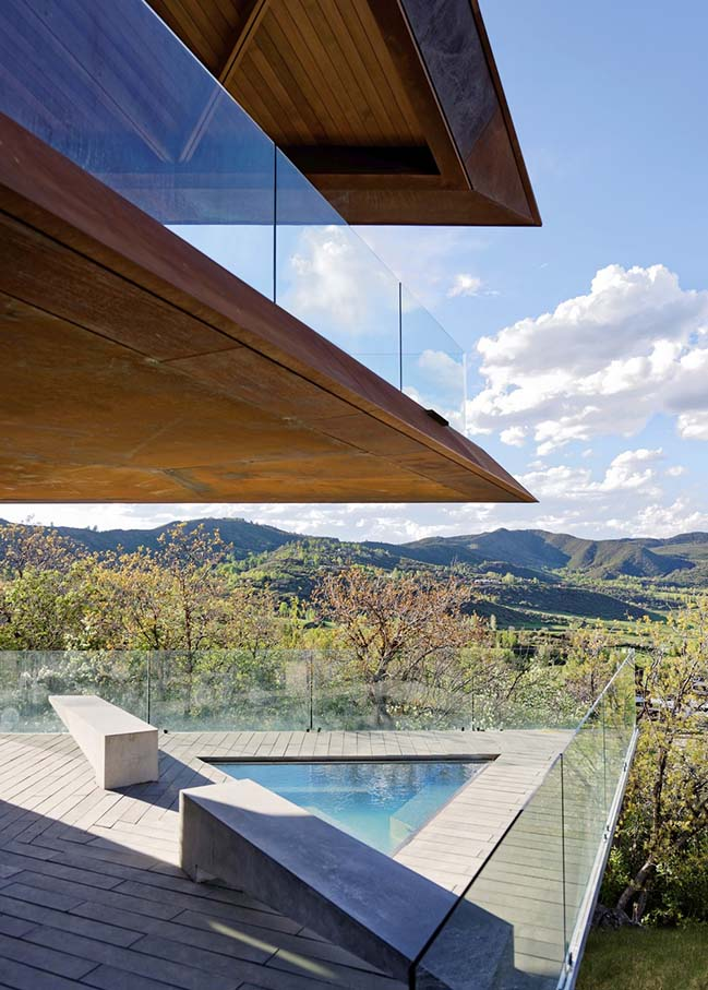 Owl Creek Residence in Snowmass by Skylab