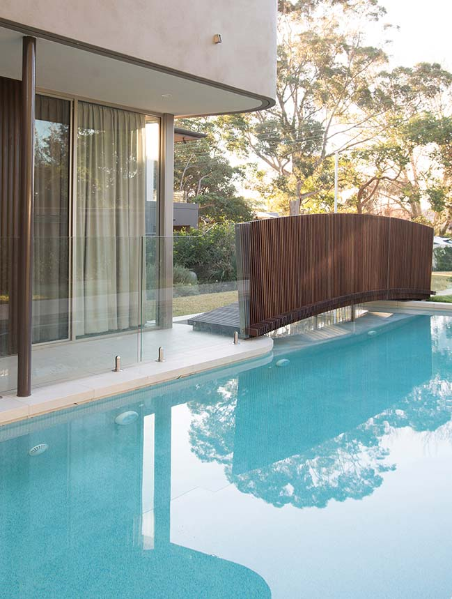 Bridge Building in Sydney by Luigi Rosselli Architects