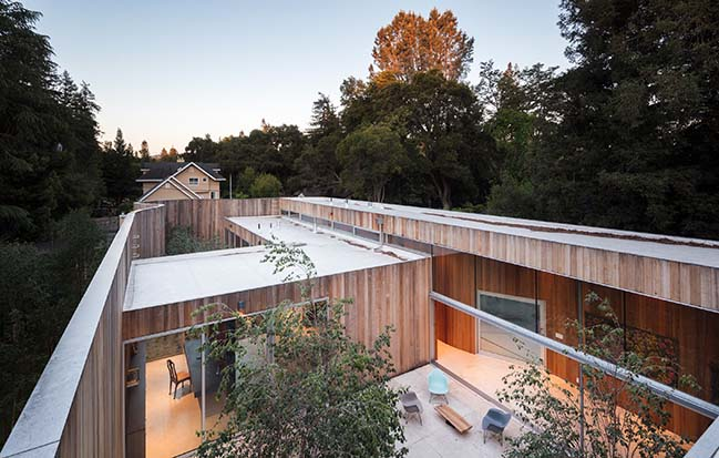 Roofless House by Craig Steely Architecture