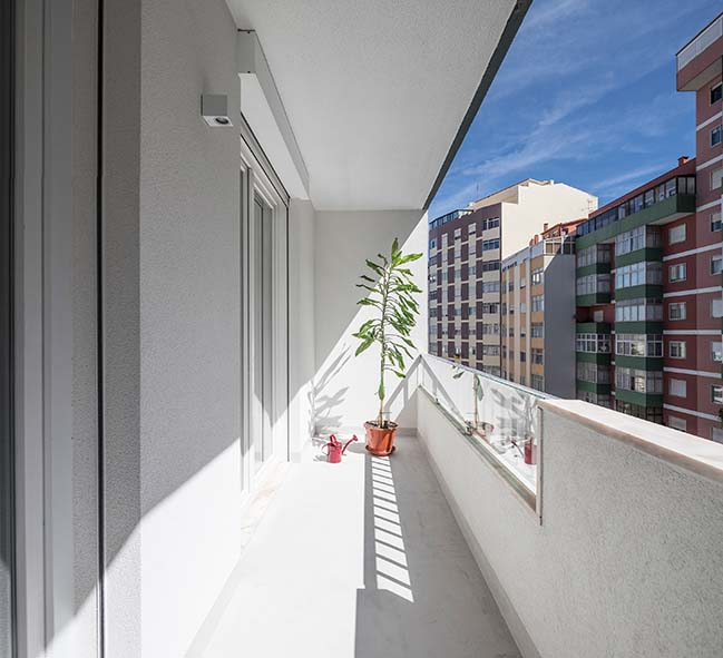 Pontinha Apartment by Paulo Moreira Architectures