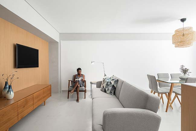 Pontinha Apartment by Paulo Moreira Architectures