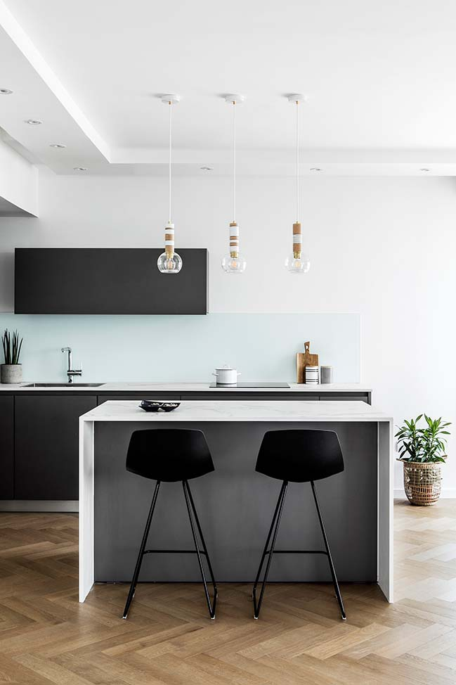 B Apartment by Maya Sheinberger