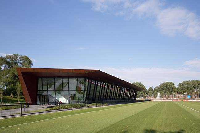 New training complex for football club Feyenoord by MoederscheimMoonen Architects