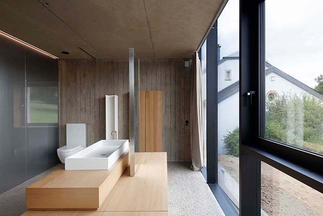 Hercule - A monolithic concrete single-family house by 2001