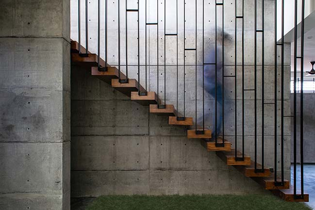 House in the Golf Course by Radical Architecture Design Consultants
