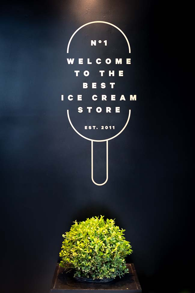 Ice Cream Shop in Cordoba by FERRO assoc.