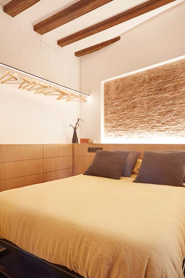Gran de Gracia mini apartment by YLAB Arquitectos Barcelona