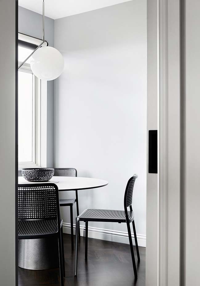 Apartment 1405 in Melbourne by Winter Architecture