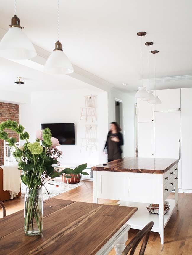 Hutchison Apartment in Montréal by Atelier SUWA