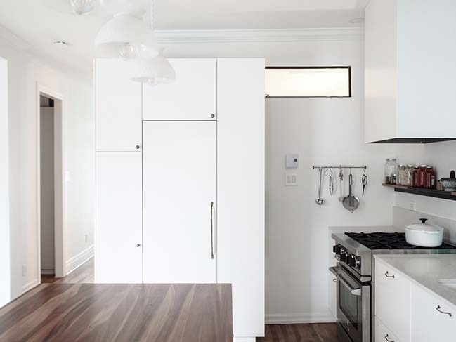 Hutchison Apartment in Montréal by Atelier SUWA