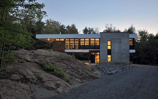 Shelter on a Rock by ESPACE VITAL architecture