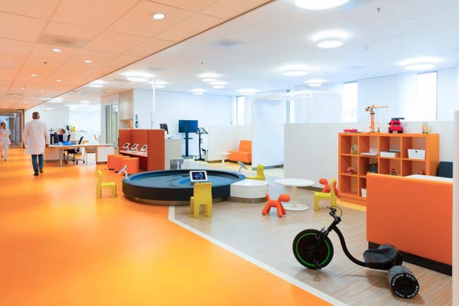 Center for Pediatric Oncology Prinses Máxima Centrum by MMEK'