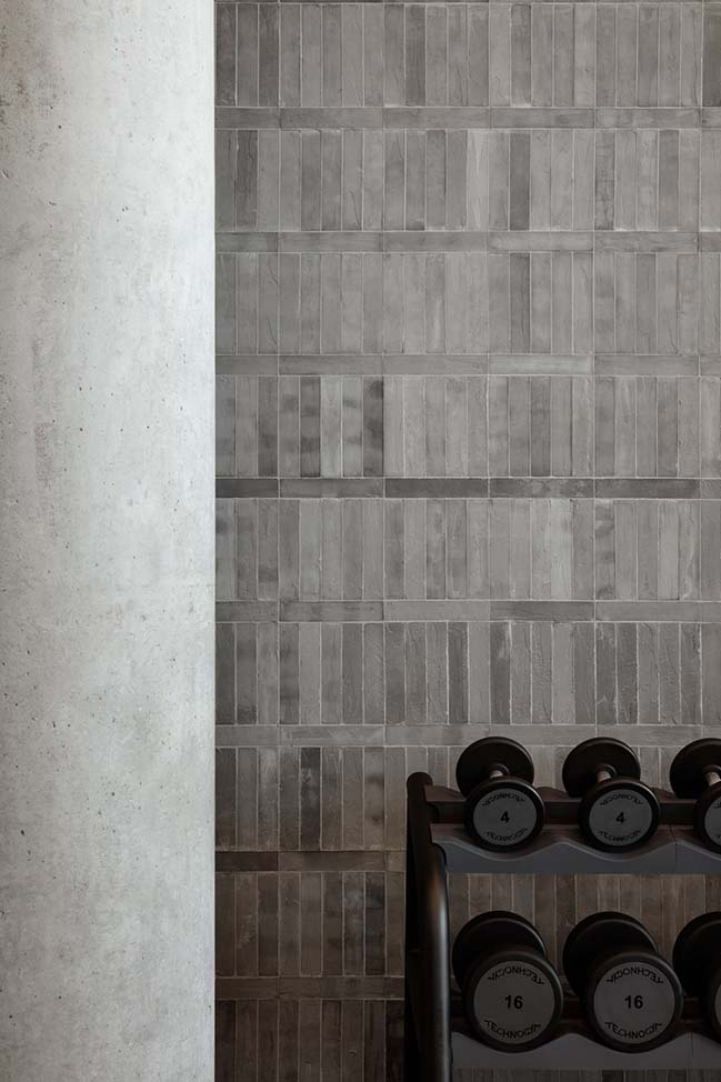 Warehouse GYM D3 in Dubai by VSHD Design