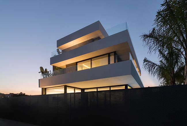 Aquarium House in Valencia by Rubén Muedra Estudio de Arquitectura