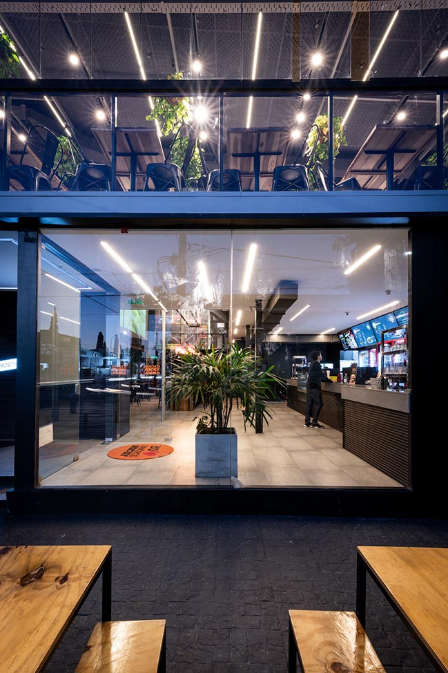 Ricky - Fast food restaurant in Buenos Aires by Además arquitectura