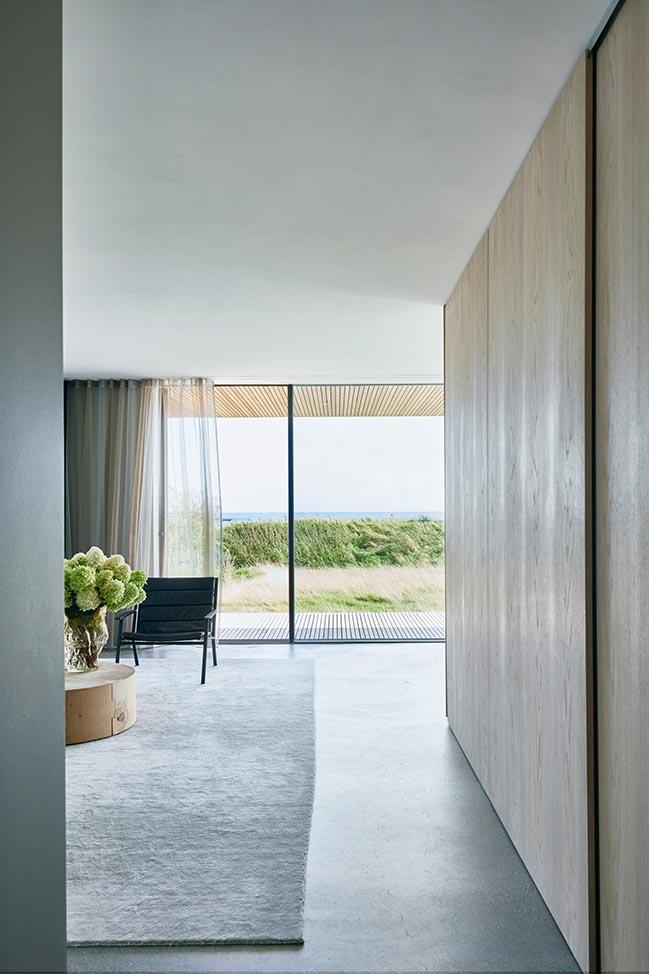 Danish Seaside Dwelling by Studio David Thulstrup