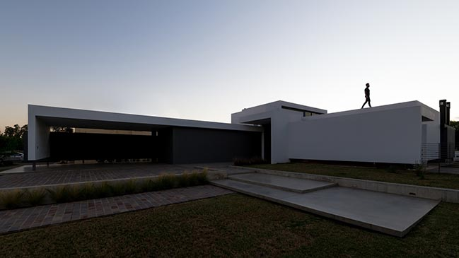 Casa NUR by Abdenur Arquitectos