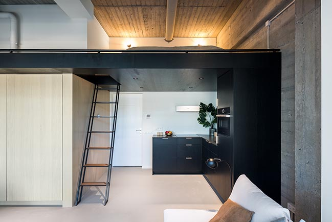 Urban lofts in Amsterdam by Bureau Fraai