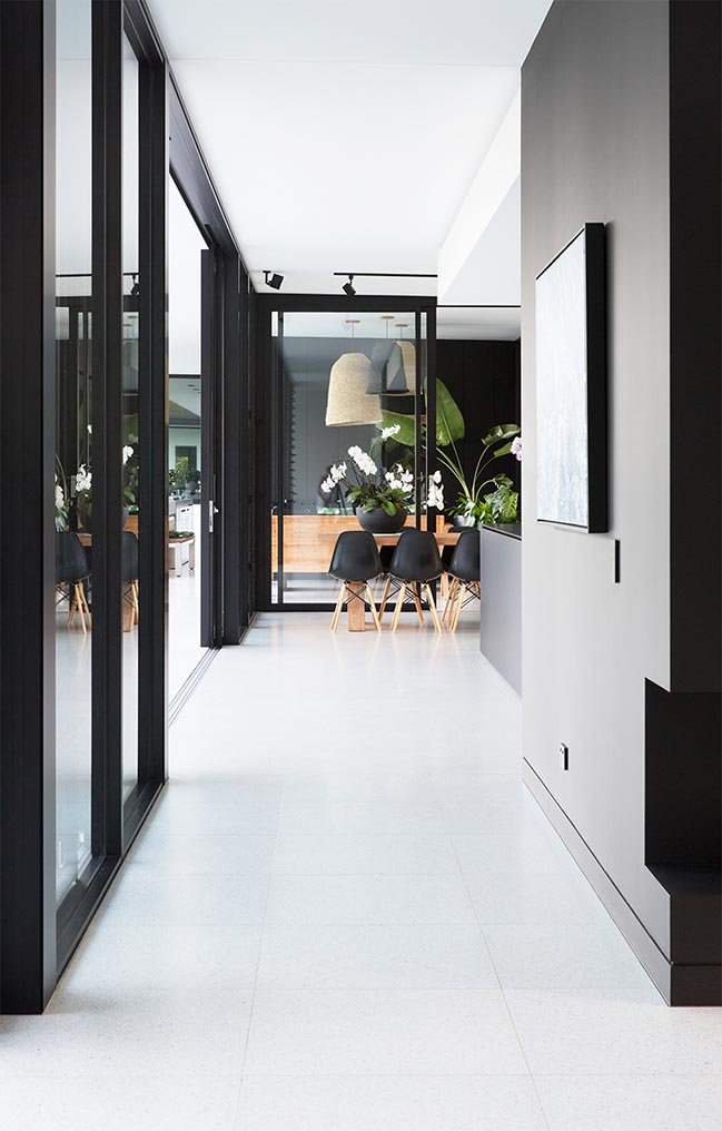 Minimalist Monochrome Glasshouse by Sarah Waller Architecture