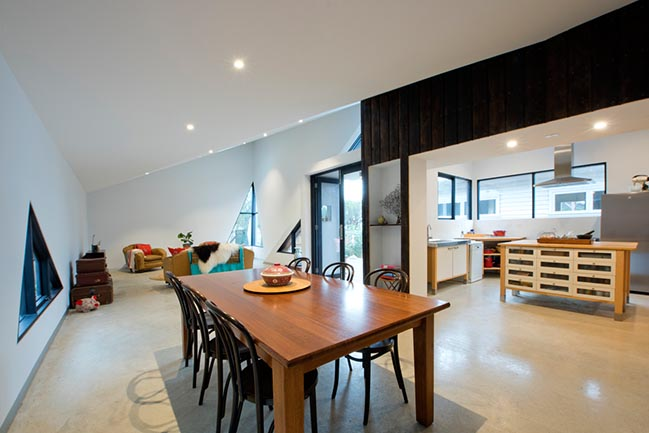 Arrow House in Footscray by Mark Lam Architect