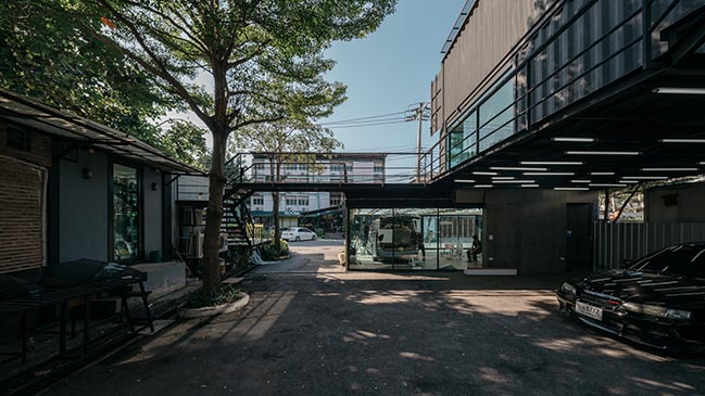 Muangthongthani Carcare by Archimontage Design Fields Sophisticated