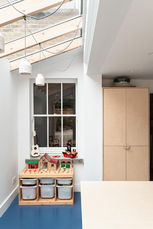 Oliphant Street by Paper House Project