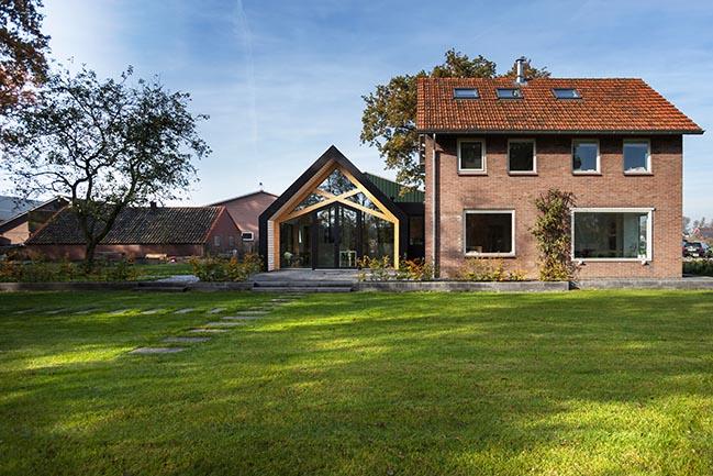 Barn Living Aalten by Bureau Fraai