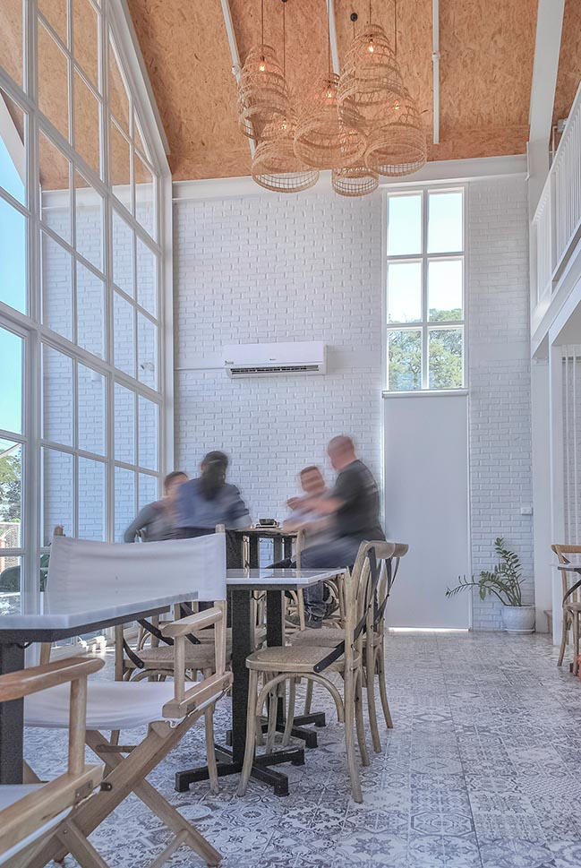 DOUGH & CO by Tomi atelier architects