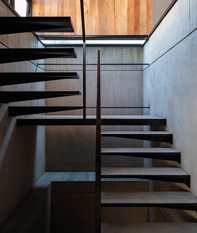 CHS House by Chauriye Stäger Arquitectos