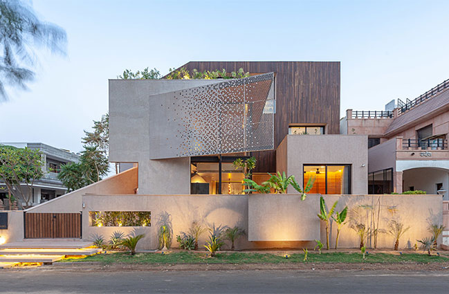 Chhavi: Desert House by Abraham John Architects